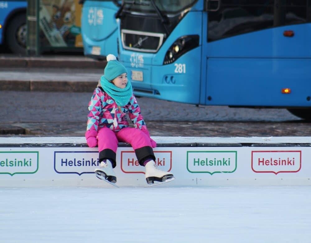 ice skating in helsinki jaapuisto