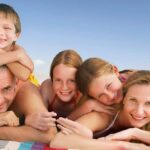 10 Beach Activities that Families Love