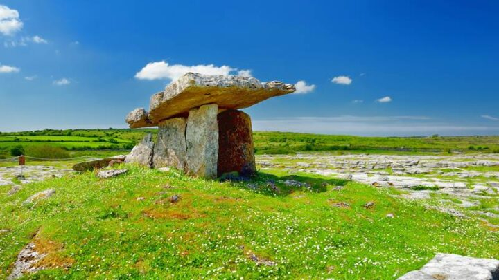 Poulnabrone portal tomb in Co. Clare