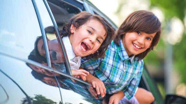 Family Road Trip games (15 FREE kids activities to pass time on the road)
