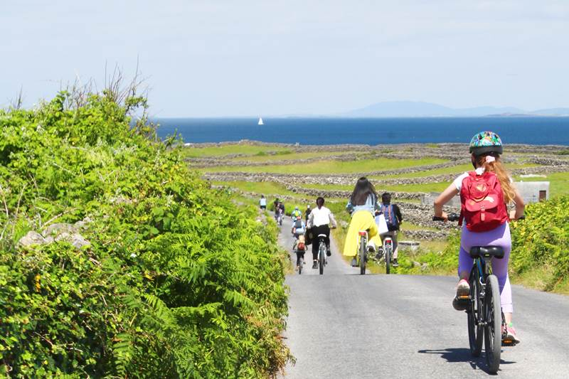 How to get around the Aran Islands