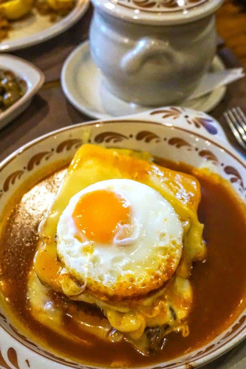 Francesinha Porto dish