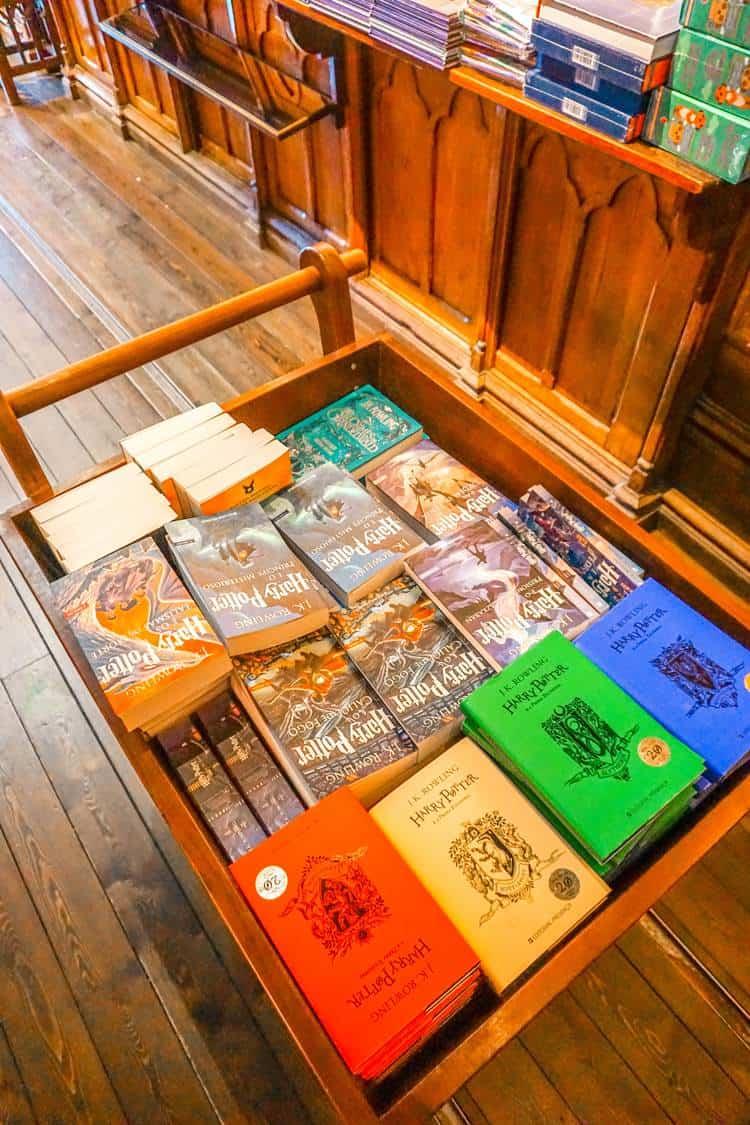 Livraria Lello cart
